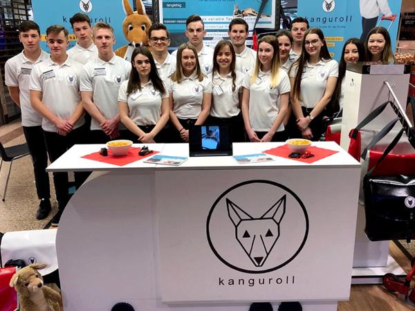 Die hartech KG ist Wirtschaftspate für kanguroll, Schülerfirma des Albert-Schweitzer-Gymnasium Dillingen